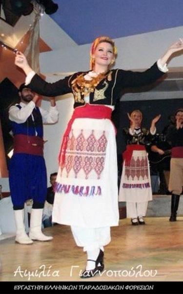 Γυναικεία Παραδοσιακή Φορεσιά Ανωγείων