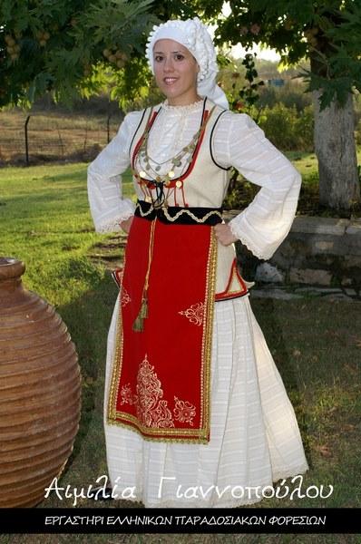 Γυναικεία Παραδοσιακή Φορεσιά Δεσφίνας