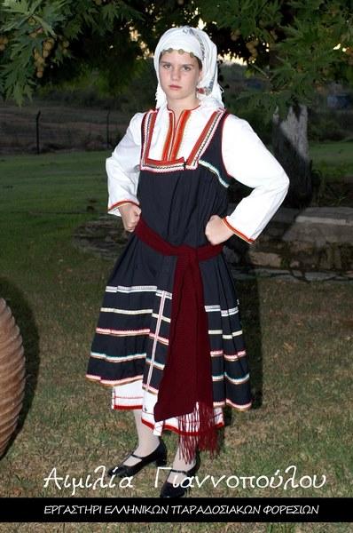Γυναικεία Παραδοσιακή Φορεσιά Έμπωνας Ρόδου
