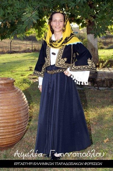 Γυναικεία Παραδοσιακή Φορεσιά Κάτω Παναγιάς
